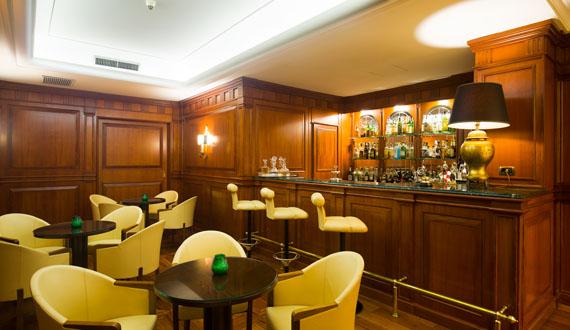 Ambienti raffinati per l'hotel Napoli 4 stelle.